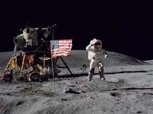 Лунная экспедиция Apollo