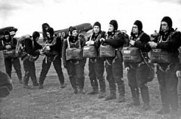 первые тренировки космонавтов гагарин
