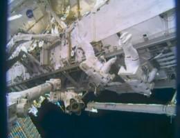 сколько получают космонавты на орбите