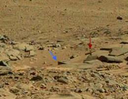 крест и надгробие на марсе